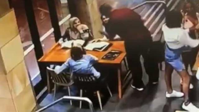 Mulher muçulmana grávida agredida com violência na Austrália