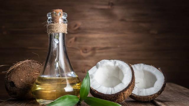 Afinal, o óleo de coco pode ajudar na perda de peso?