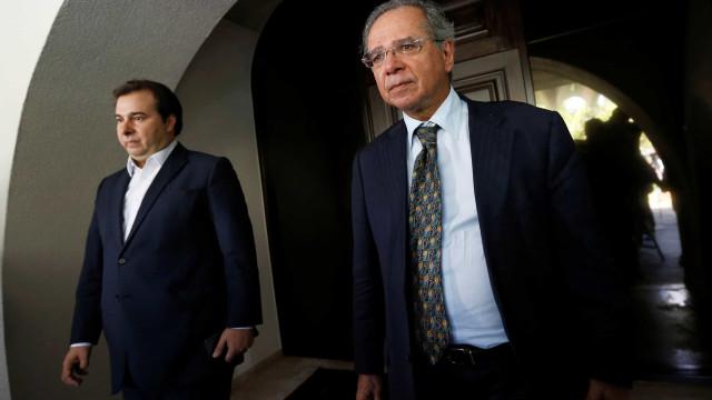 Maia desiste de tentar barrar no STF venda de refinarias da Petrobras