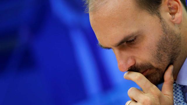 Ernesto diz que Eduardo e Filipe Martins auxiliavam Bolsonaro na condução da política externa