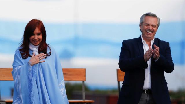 Cristina Kirchner assume Presidência da Argentina e militância se anima