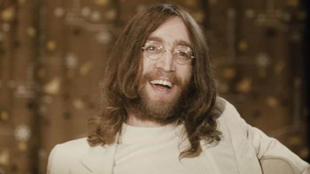 Álbum autografado por John Lennon a seu assassino será leiloado