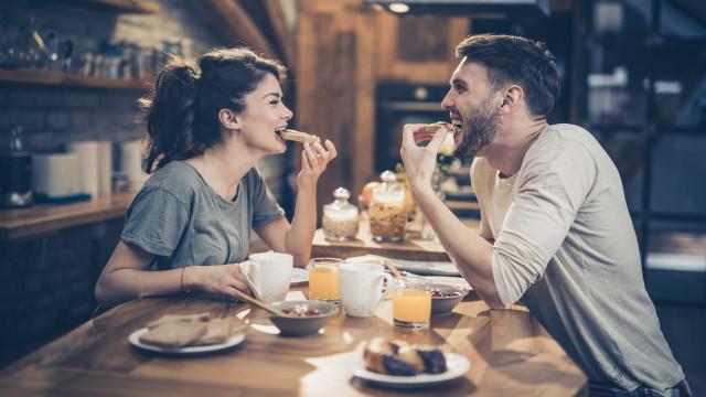 Você sabe qual o horário ideal para tomar o café da manhã?
