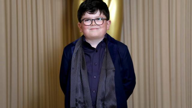 Archie Yates é escolhido para protagonizar novo 'Esqueceram de Mim'