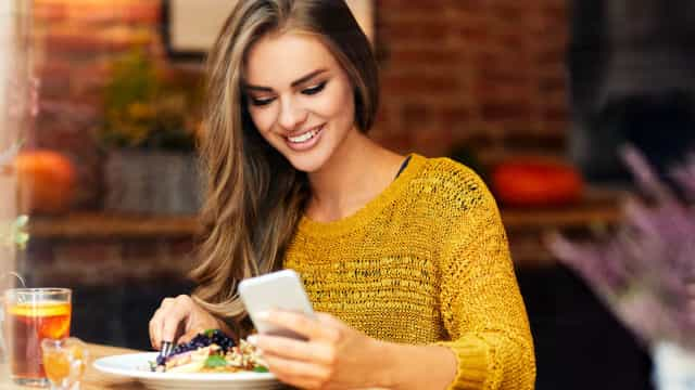 Como e quando limpar o celular para evitar contaminação por germes