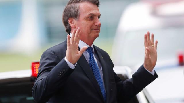 Bolsonaro publica vídeo sobre concursos públicos no Brasil