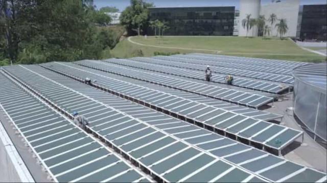 Natura conclui maior instalação de painéis solares orgânicos do mundo