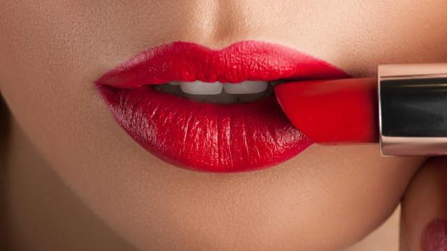 """""""Há um tom vermelho para cada mulher"""". A simbologia do batom"""