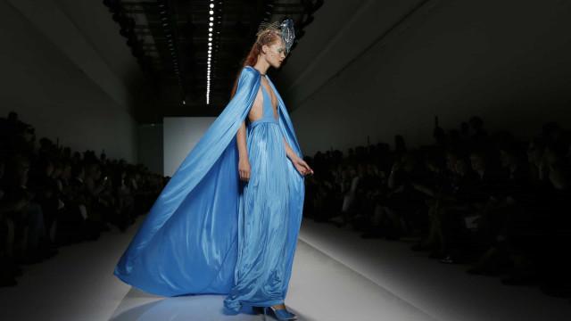 Morreu o estilista Emanuel Ungaro aos 86 anos