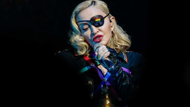 """Madonna comenta caso da morte de homem negro desarmado. """"Doloroso"""""""