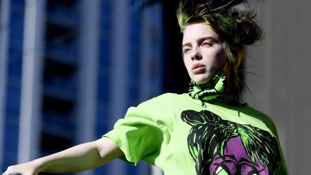 """Billie Eilish sobre críticas ao seu corpo: """"É assim que eu sou"""""""