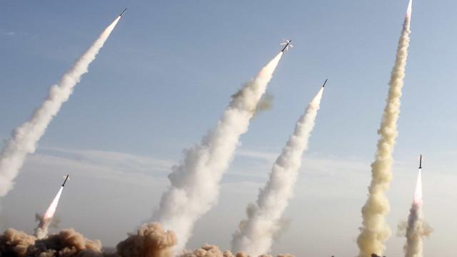 Pentágono confirma ataque com mísseis a duas bases norte-americanas