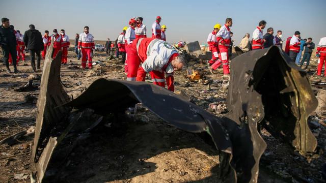 Teerã nega ter tentado encobrir responsabilidade por queda de avião