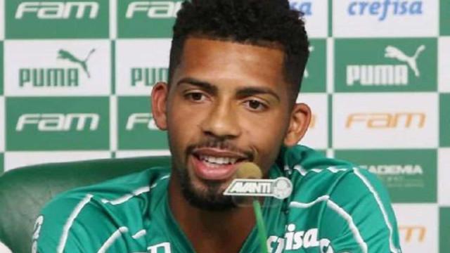 Barcelona rescinde o contrato do brasileiro Matheus Fernandes, ex-Palmeiras
