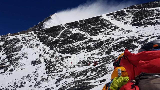 Sete desaparecidos nos Himalaias após avalanche
