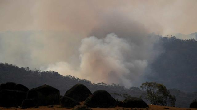 Incêndio de grandes proporções atinge Parque de Ibitipoca, em Minas