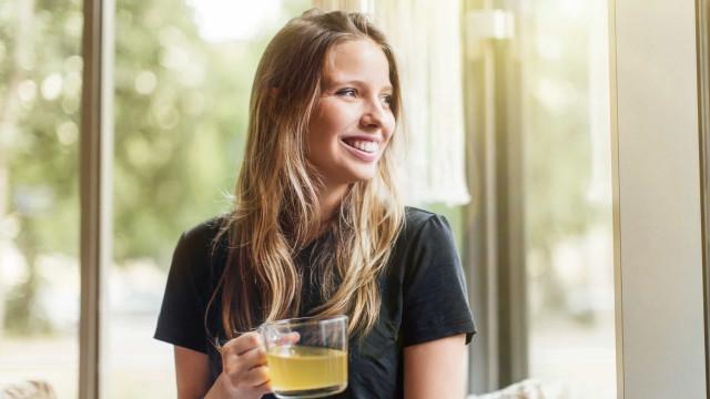Chá verde com limão: Uma poderosa combinação para a perda de peso?