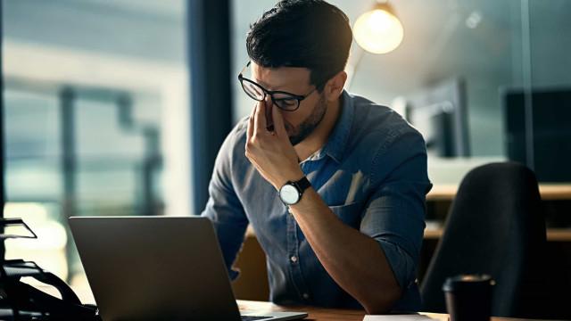 'Viciados' no trabalho em maior risco de depressão, sugere estudo