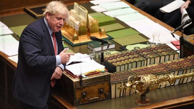 Primeiro-ministro britânico já rubricou acordo de saída da UE