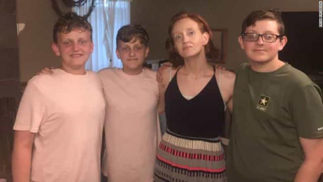 Adolescente matou a mãe e os irmãos antes de ir para a escola