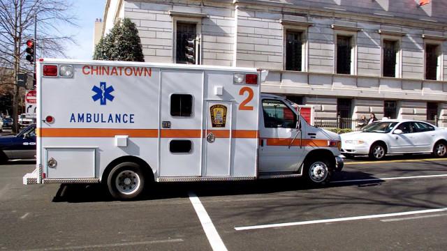 Criança morre depois de disparo acidental enquanto brincava com o pai