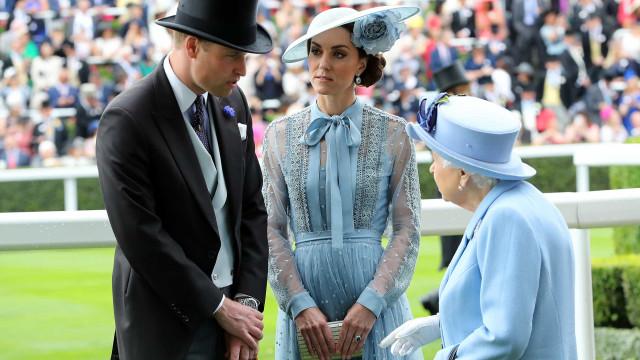 Príncipe William promovido. Rainha Isabel II atribui novo título a neto