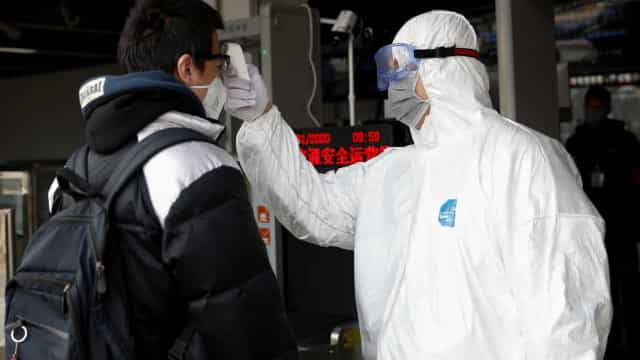 Mortes por novo coronavírus passam de 2 mil na China