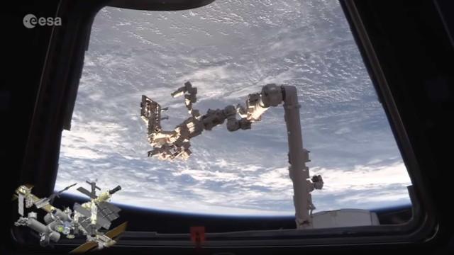 Astronautas filmam visita à Estação Espacial Internacional