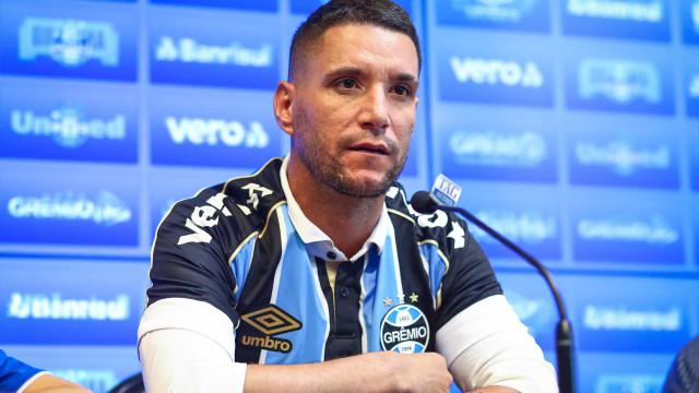 Reculperado da covid-19, Diego Souza volta a treinar com fome de bola