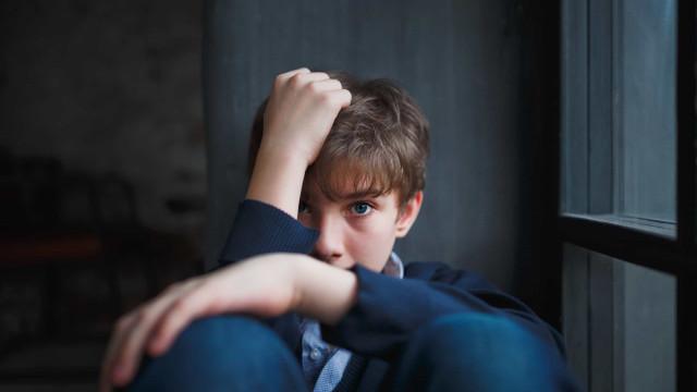 Jovens com esta doença estão mais propensos a tentarem suicídio