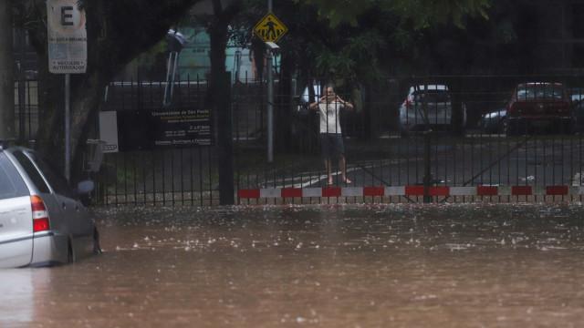Inmet alerta que chuvas continuarão fortes no Centro-Oeste e Sudeste