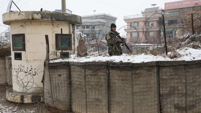 Pelo menos nove pessoas morrem em atentado no sul do Afeganistão