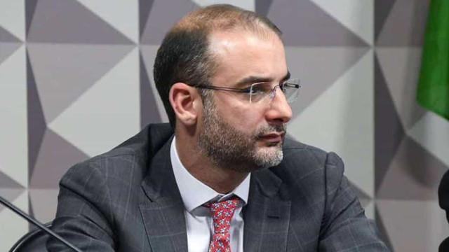 Assessor do governo cobra R$ 6,4 mi por serviço de relações públicas