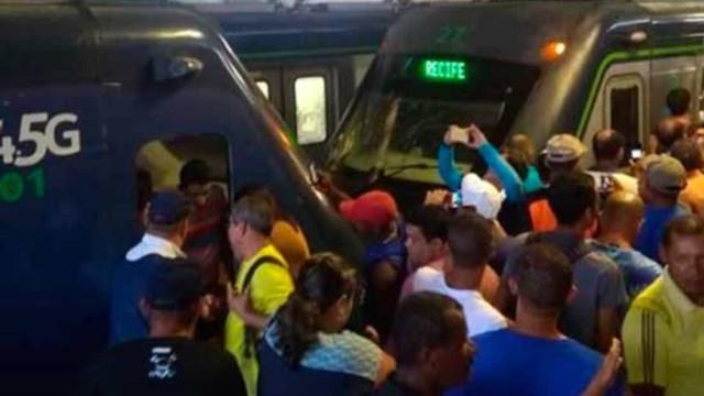 Trens se chocam no Recife e deixam 47 passageiros feridos