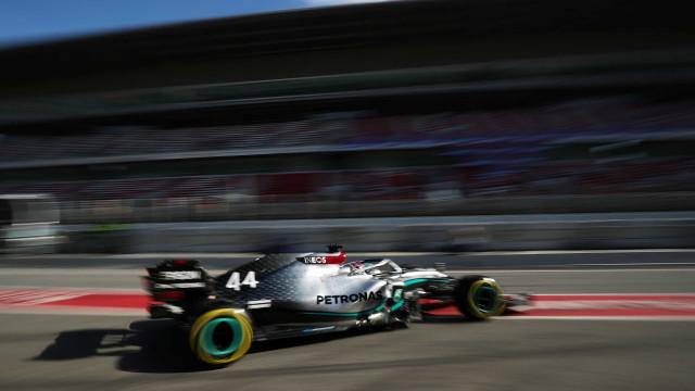Mercedes afirma que renovará contrato com Hamilton e Bottas