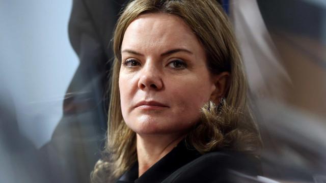 Gleisi anuncia manifestações para enfrentar 'escalada autoritária'