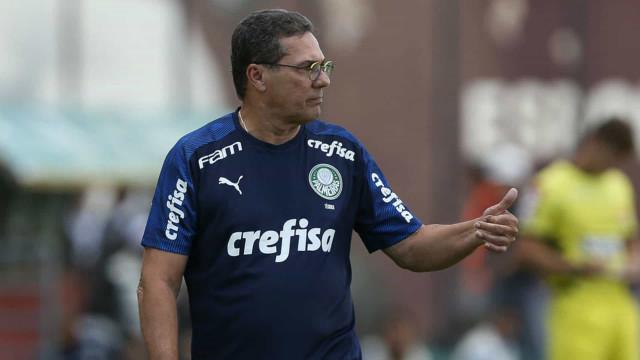 Luxemburgo escala Rony como titular no Palmeiras contra o Santos