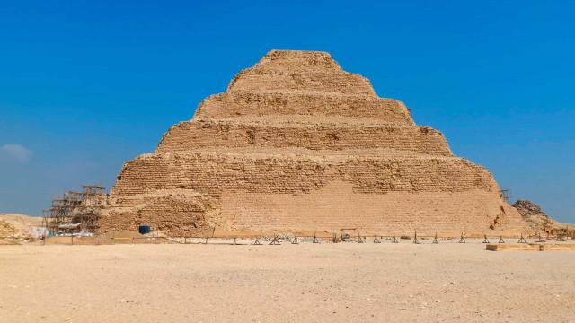 Pirâmide mais antiga do Egito reabre após anos de restauração