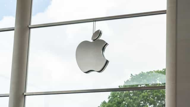 Apple deve incluir carregadores com novos iPhones, diz Procon-SP