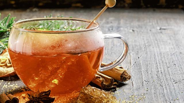 Quer emagrecer? Aprenda a preparar este delicioso chá de canela