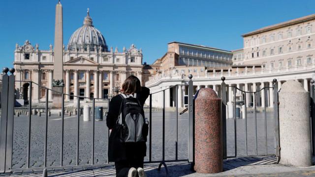 Roma tem ruas vazias no primeiro dia de quarentena em toda a Itália
