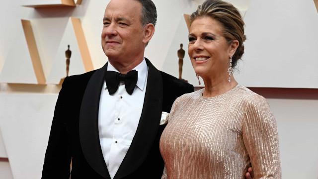 """Tom Hanks chama a atenção para as """"diferentes reações"""" da Covid-19"""