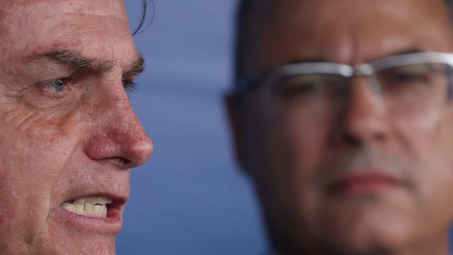 Witzel diz no Twitter que Bolsonaro tenta 'calar a boca da democracia'