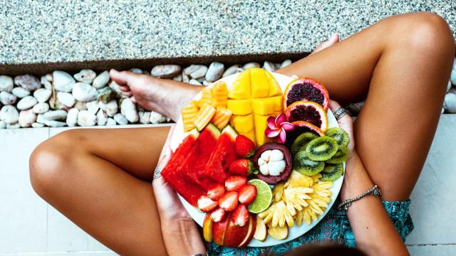 Quantas peças de fruta deve ingerir diariamente?