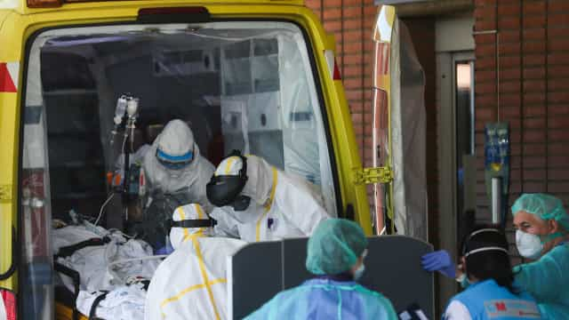 Covid-19: Espanha regista 849 mortes em 24 horas e bate recorde diário