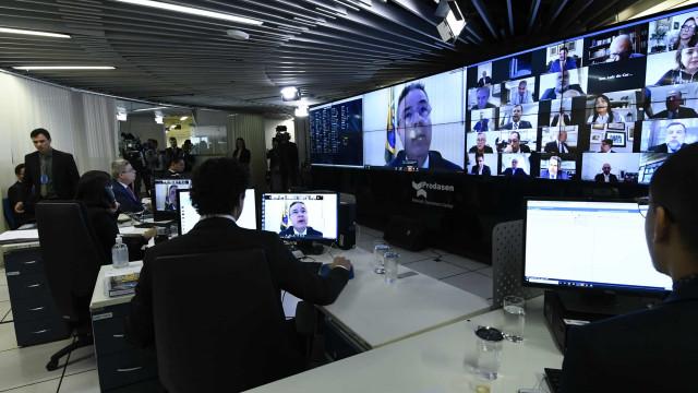 Senado vota hoje auxílio de R$ 600 para autônomos e informais