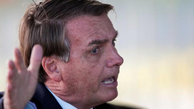 Bolsonaro diz que terá reunião sobre isolamento social