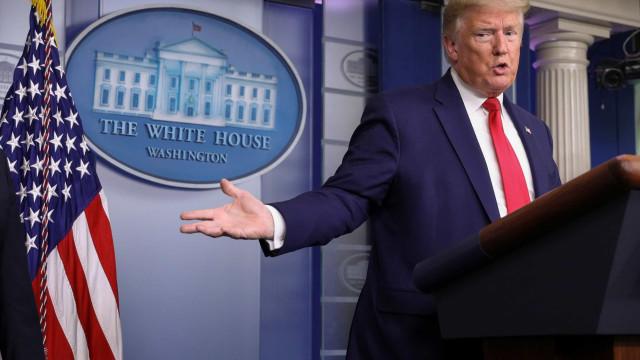 "Trump ataca jornalista ao vivo: ""falsa"" e ""mal agradecida"""