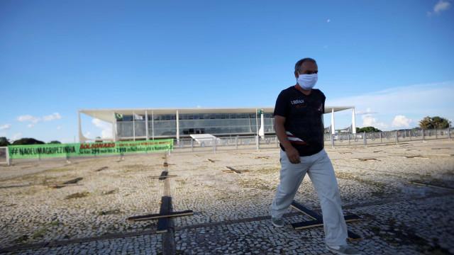 Governo brasileiro reserva 80 imóveis para hospitais de campanha