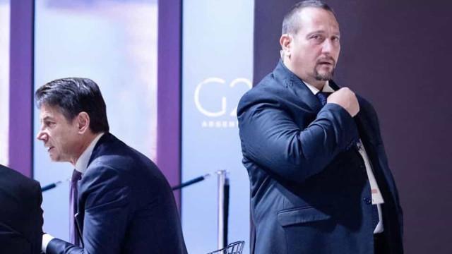 Membro da equipa de segurança de Giuseppe Conte morreu com Covid-19
